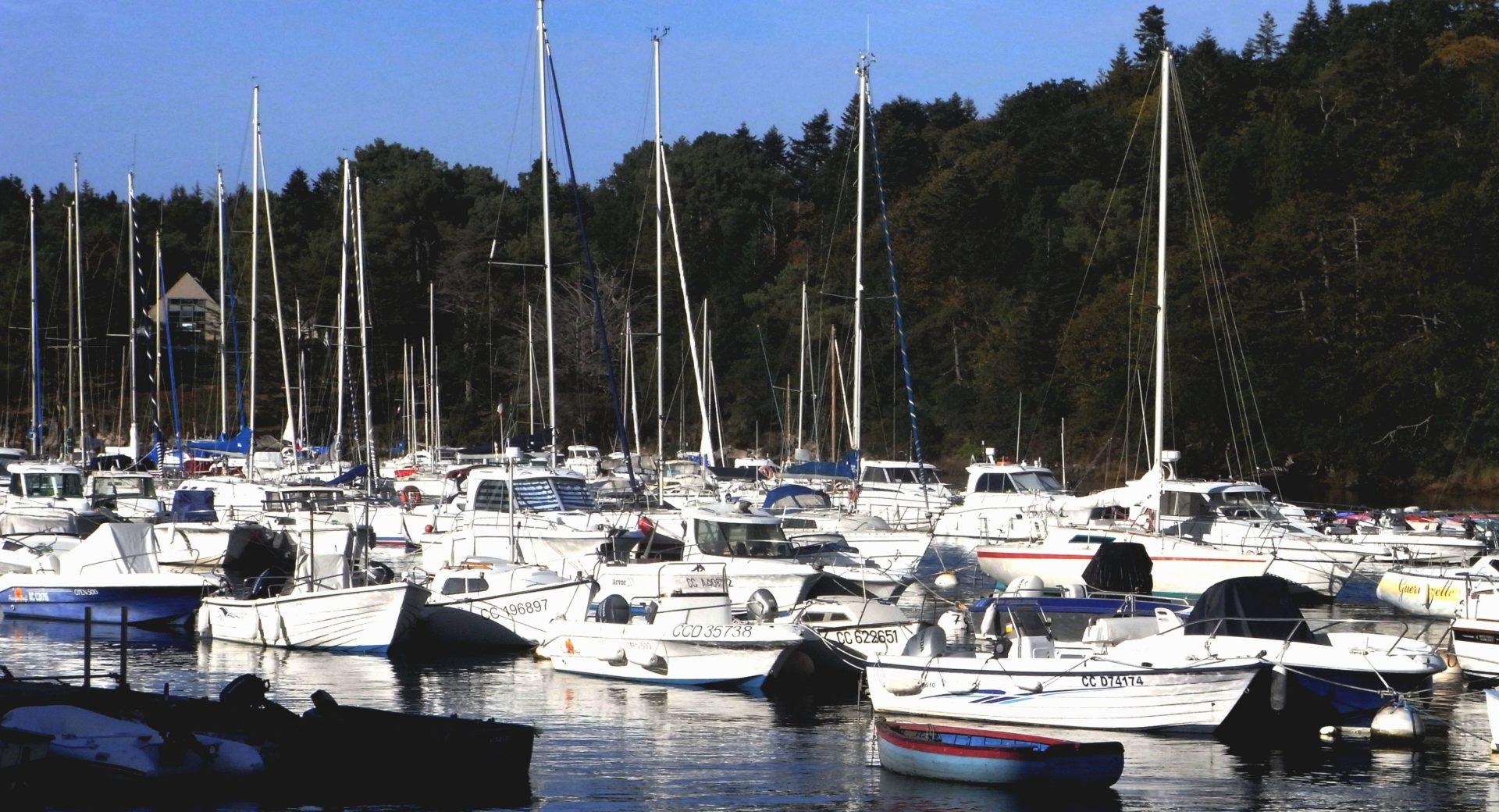 Névez Marine Service vente de bateaux et moteurs dont Guymarine et Solé Diesel - Près de Concarneau et Quimper